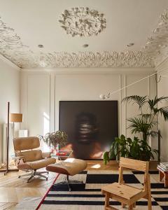 #interiordesign#apartment#barcelona ©circular_studio @revistaarquitecturaydiseño